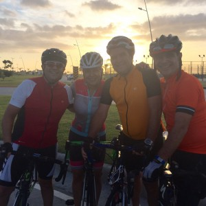 #GenteCDENews pedaleando en la Cinta Costera III (6 am).