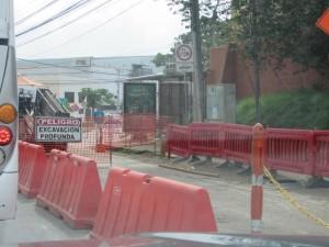 Vecinos desean que finalicen los trabajos del plan de mejoramiento vial.