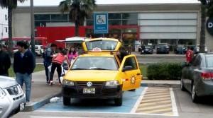 auto mal estacionado panama 1