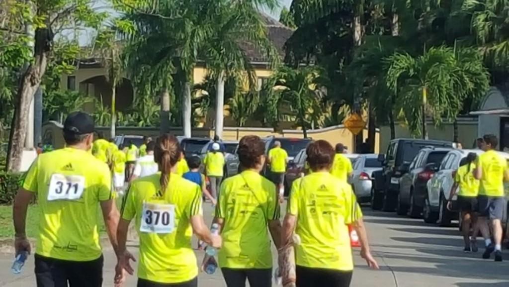 La caminata se inició a las 7 de la mañana de este domingo 14 de junio | Foto: Aydana Ruiz