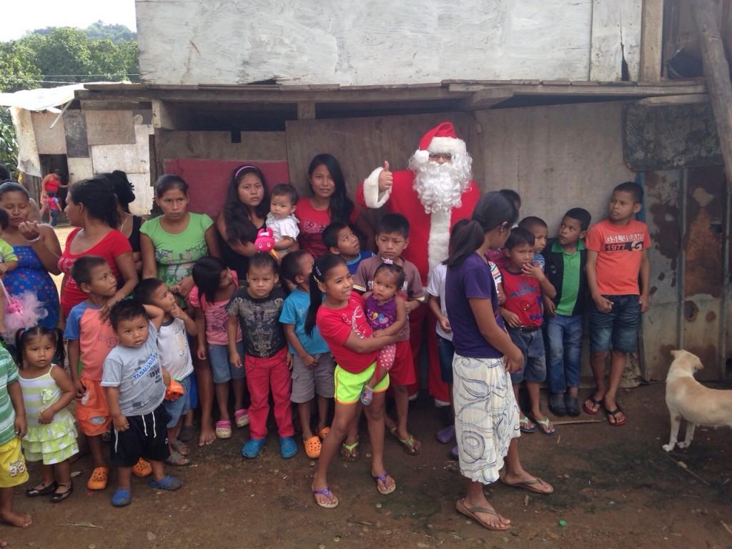 """Toda la información está disponible como """"Santa en las calles"""" Y """"Santa en las calles de Panamá"""" en las redes sociales."""