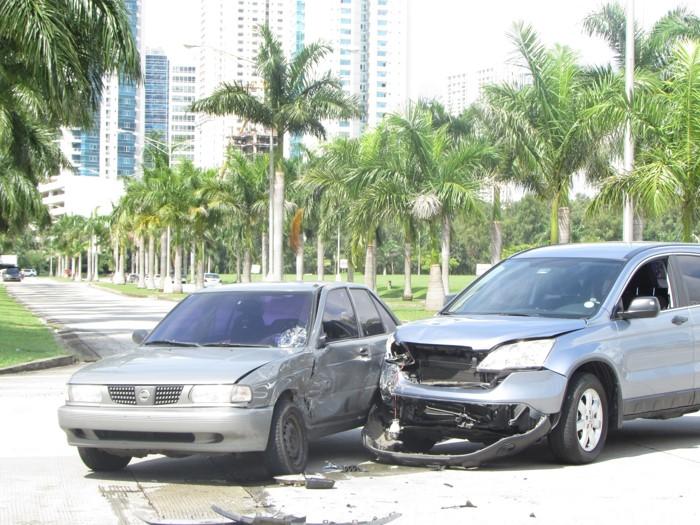 Todos los días se registran colisiones en la ciudad. En CDE la situación se repite.