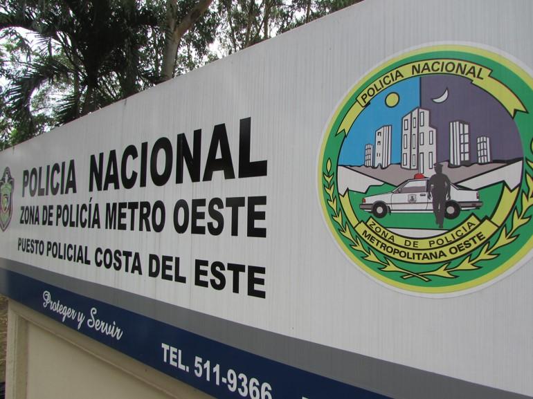 La sub estación de policía de CDE se encuentra ubicada en la avenida Centenario, muy cerca de Burger King.