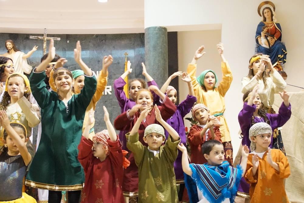 Todos los domingos a las 10 la misa de la parroquia San Lucas estará dirigida a los niños. Pueden ir con sus padres.