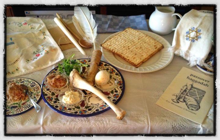 La fiesta de Pesaj, acaece en el calendario Hebreo en el 15 al 22 de Nisan.