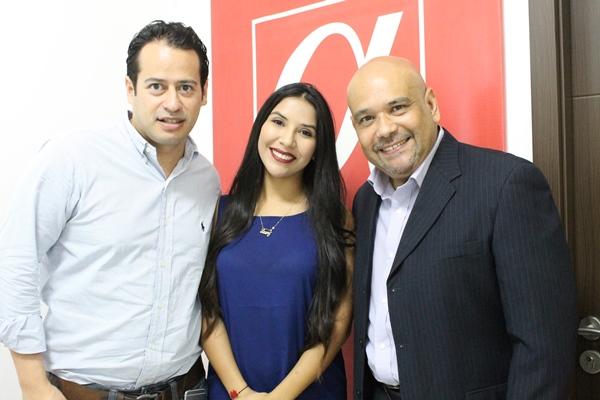 Cristhian Florez, Laury Zea y Carlos Canelones