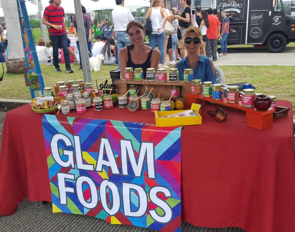 Mercadito de diseñadores emergentes. Glam Foods son sales saborizadas | Foto: AR