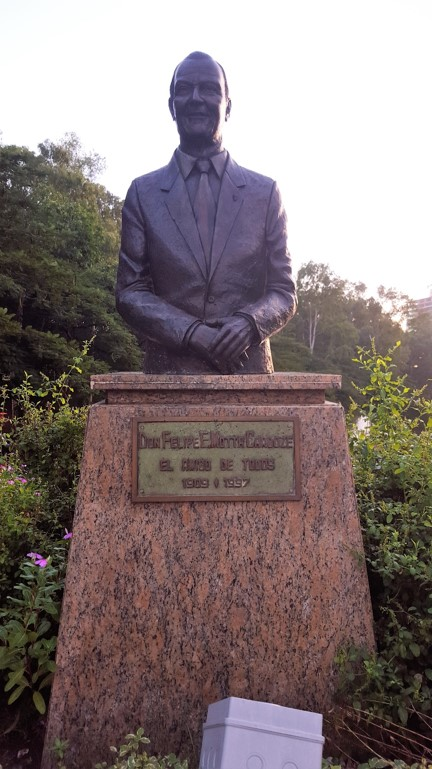 Monumento Felipe Motta, ubicado a la entrada del parque | Foto: AR