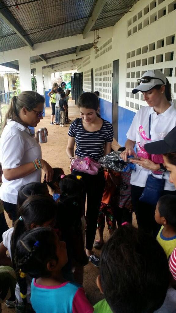 Las ganadoras de la competencia esperan poder continuar ayudando a más niños necesitados.