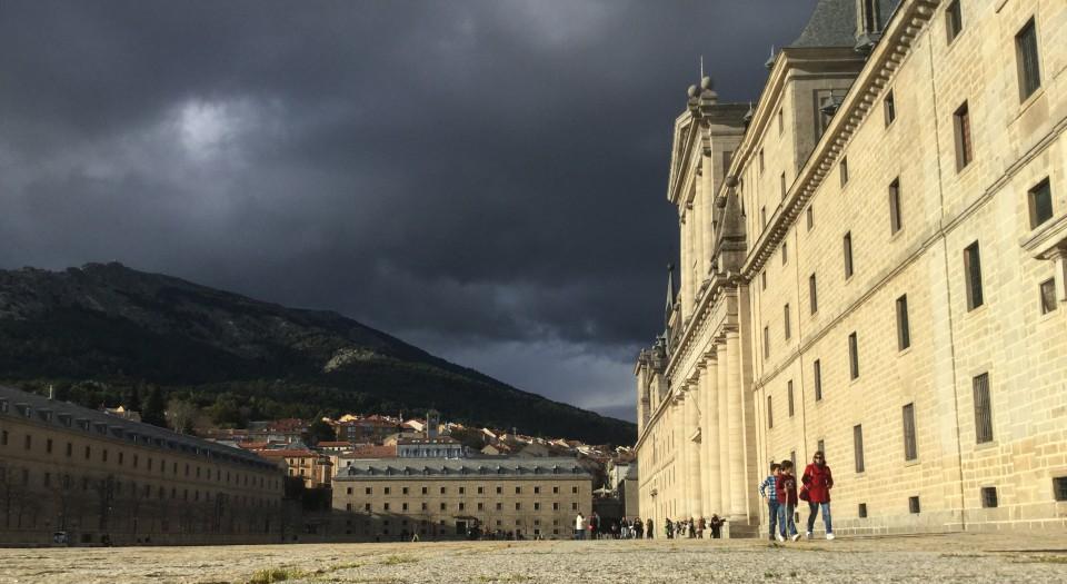 La formación académica de los jóvenes transcurre en el monasterio dirigido por los Padres Agustinos.
