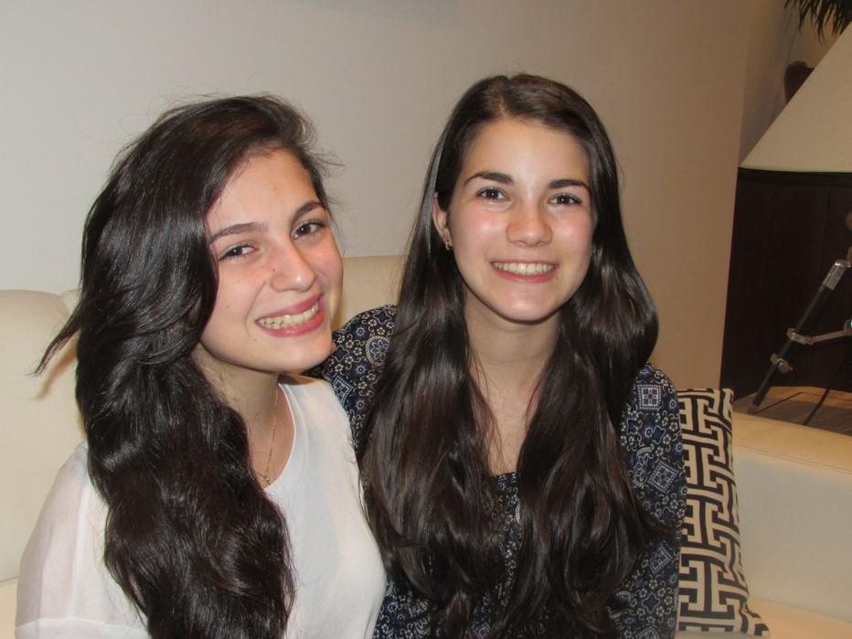 Victoria Muñoz y Andrea Centeno, ganadoras del proyecto.