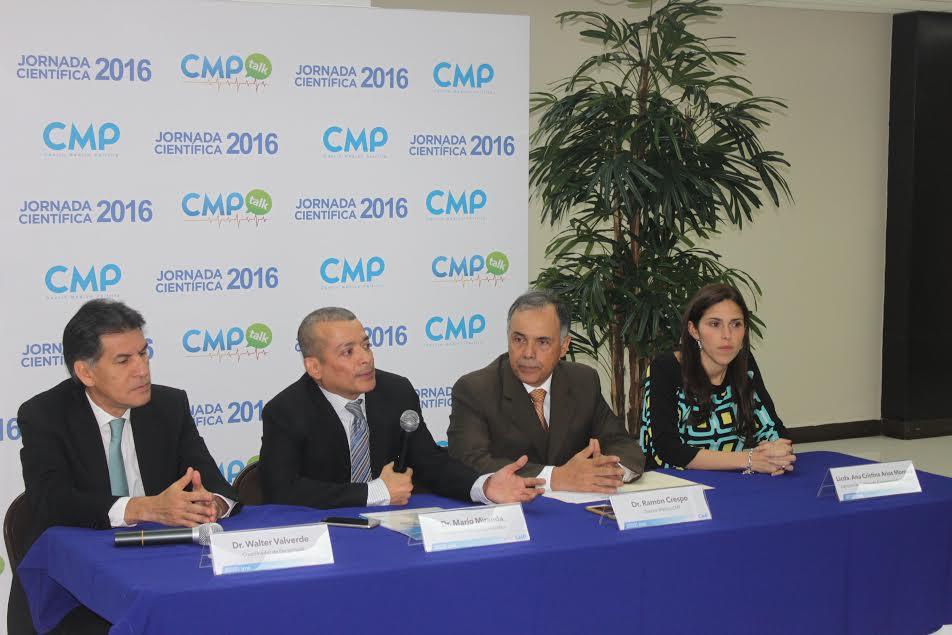 Dr. Walter Valverde, Dr. Mario Miranda, Dr. Ramón Crespo y Licenciada Ana Cristina Arias Moreno