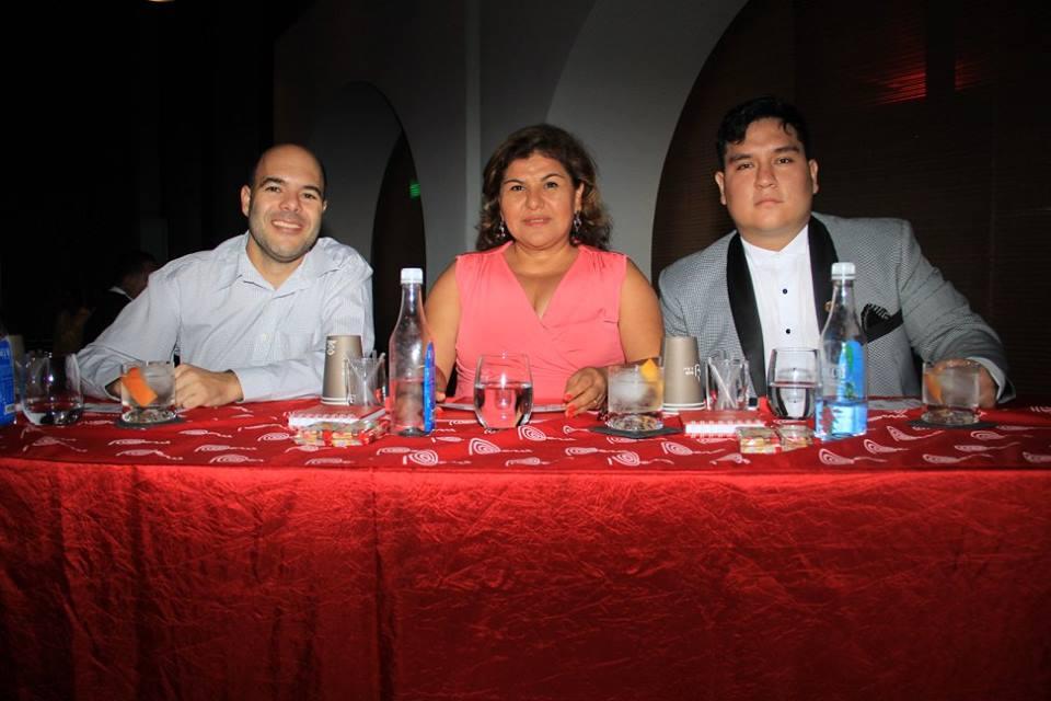 Ricardo Carpio, Cecilia Gonzáles y Gabriel Puga