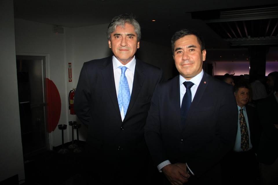 Sr, Marco V. Balarezo, Embajador de Perú en Panamá y Sr. Gustavo García de Consejo Comercial