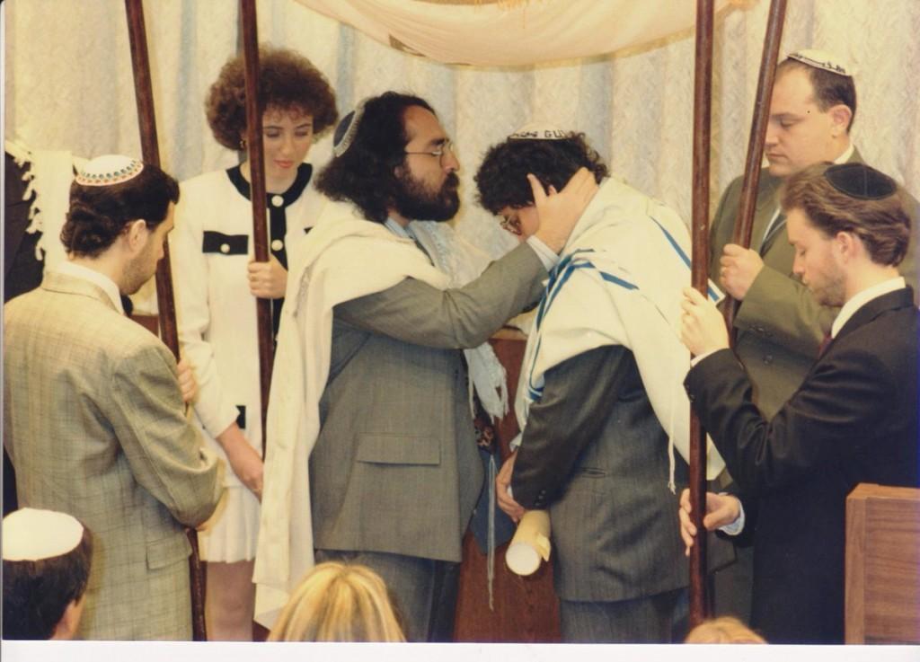 Momento en que fue ordenado como rabino   Foto: cortesía