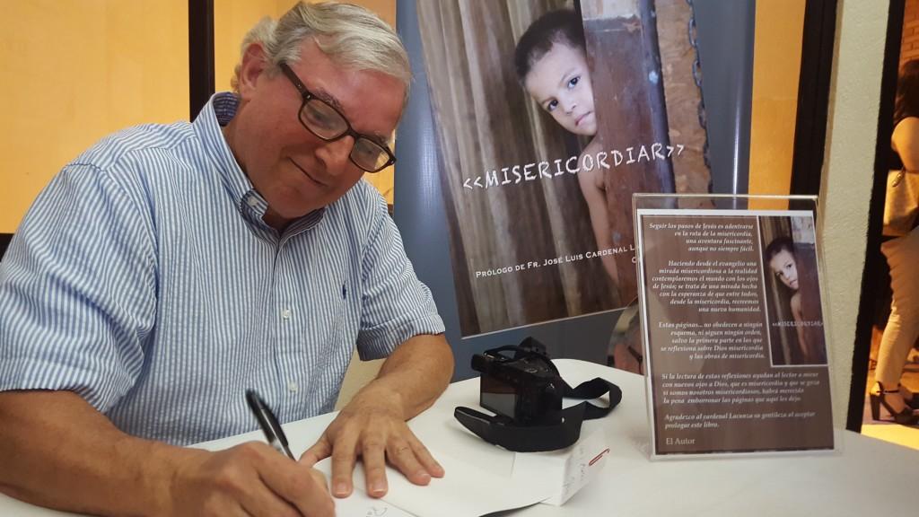 El P. Ciaurriz se ha dedicado también a escribir varios libros | Foto: AR
