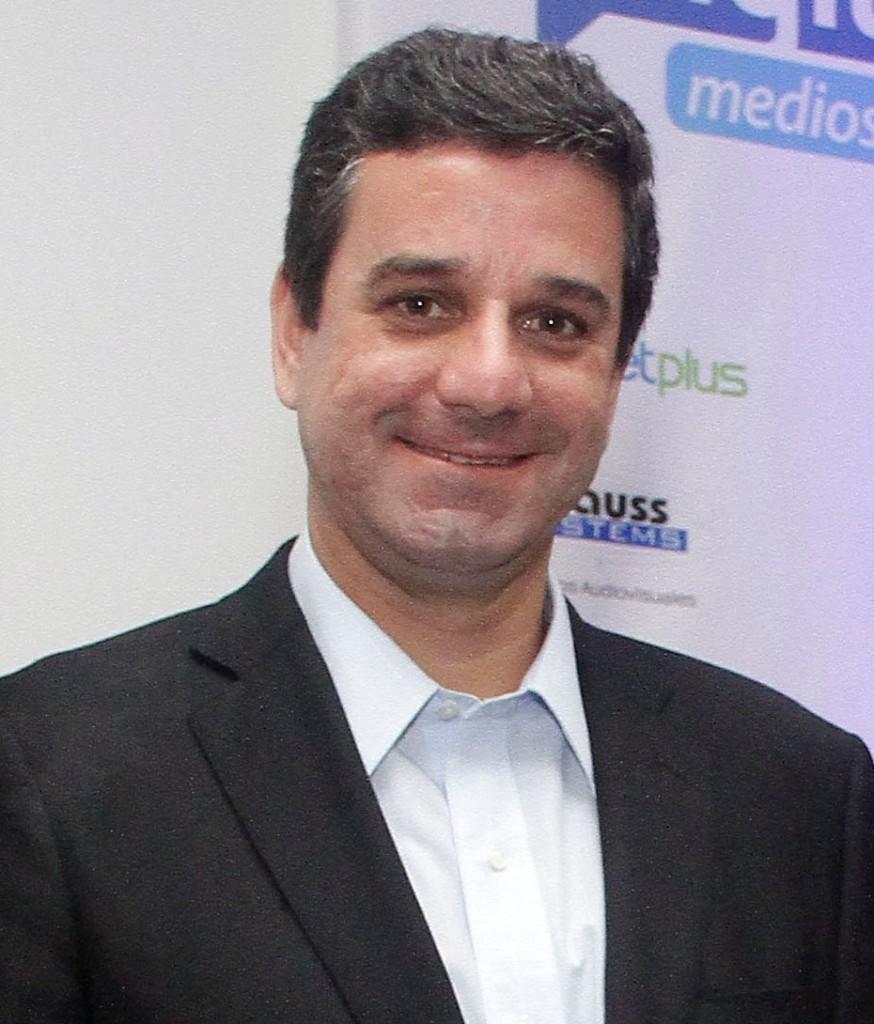 Gustavo Manrique | Director de Stratego