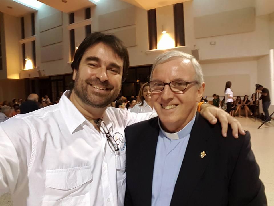 Tete Olivella, junto al padre Miguel Ángel.