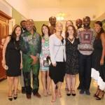 El coreógrafo Reggie Wilson acompañado por su cuerpo de bailarines de la Brooklyn Academy of Music.