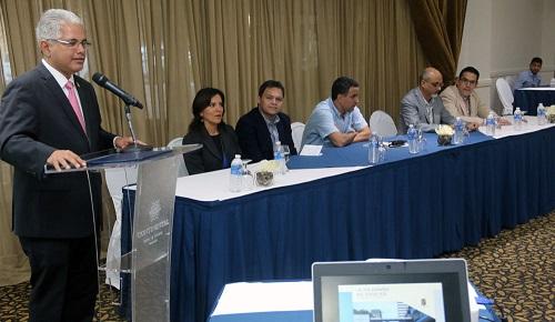El alcalde José Blandón presentó a los ciudadanos los alcances del plan en Vía España