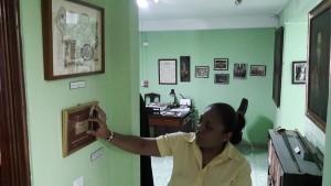 Navarro conoce cada detalle de expuesto en el museo.