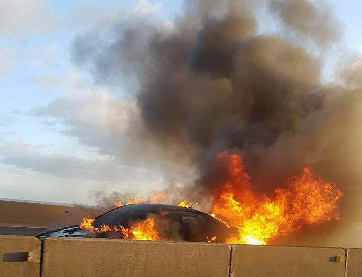 Los incendios de vehículos se asocian a mal mantenimiento y conexiones defectuosas, entre otros aspectos. Foto: Cortesía.