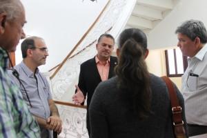 Carlos Pérez Herrera reitera su respaldo a los residentes de calle Los Bambús