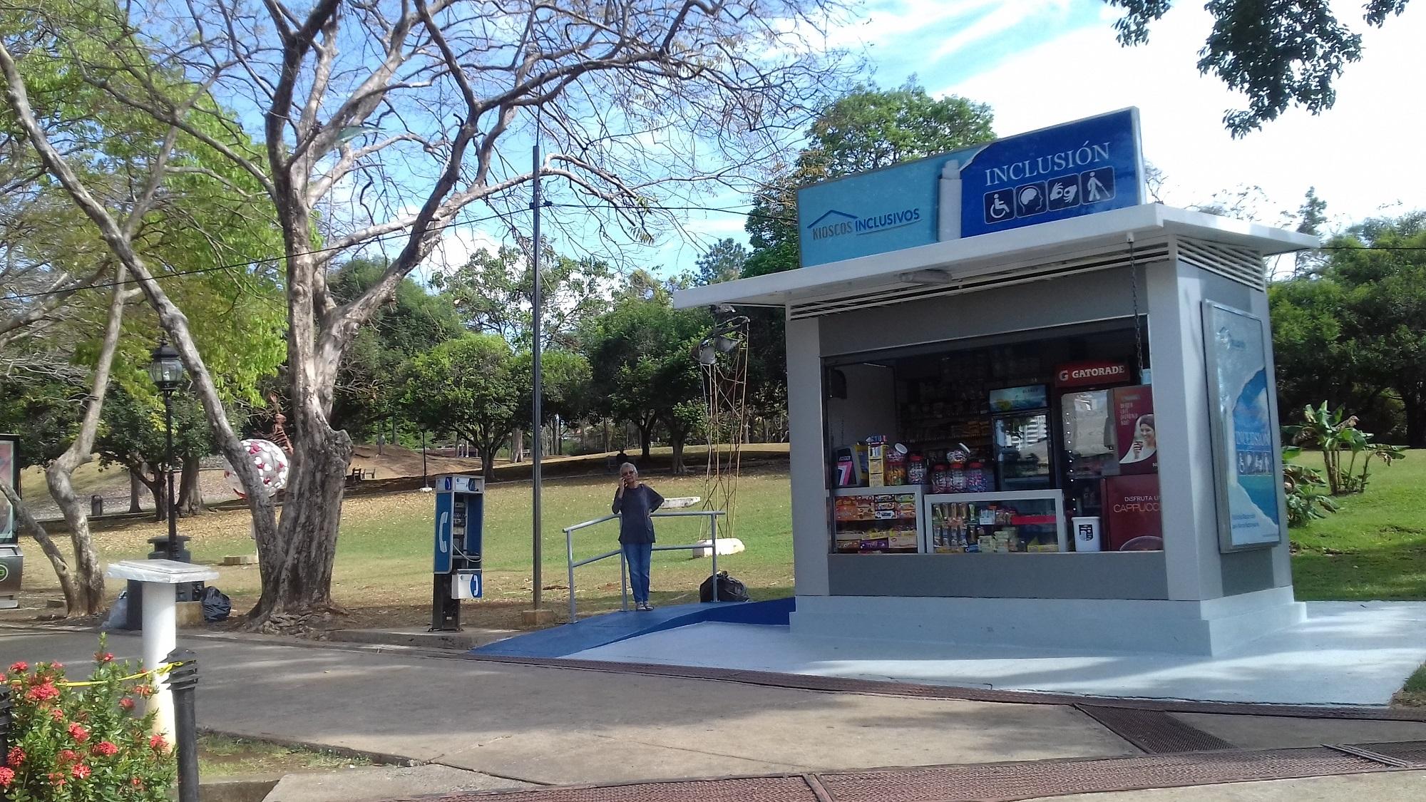 Kiosco de Inclusión del Parque Omar, dispuesto desde finales del 2016, dispone de todo tipo de refrigerios a los visitantes.