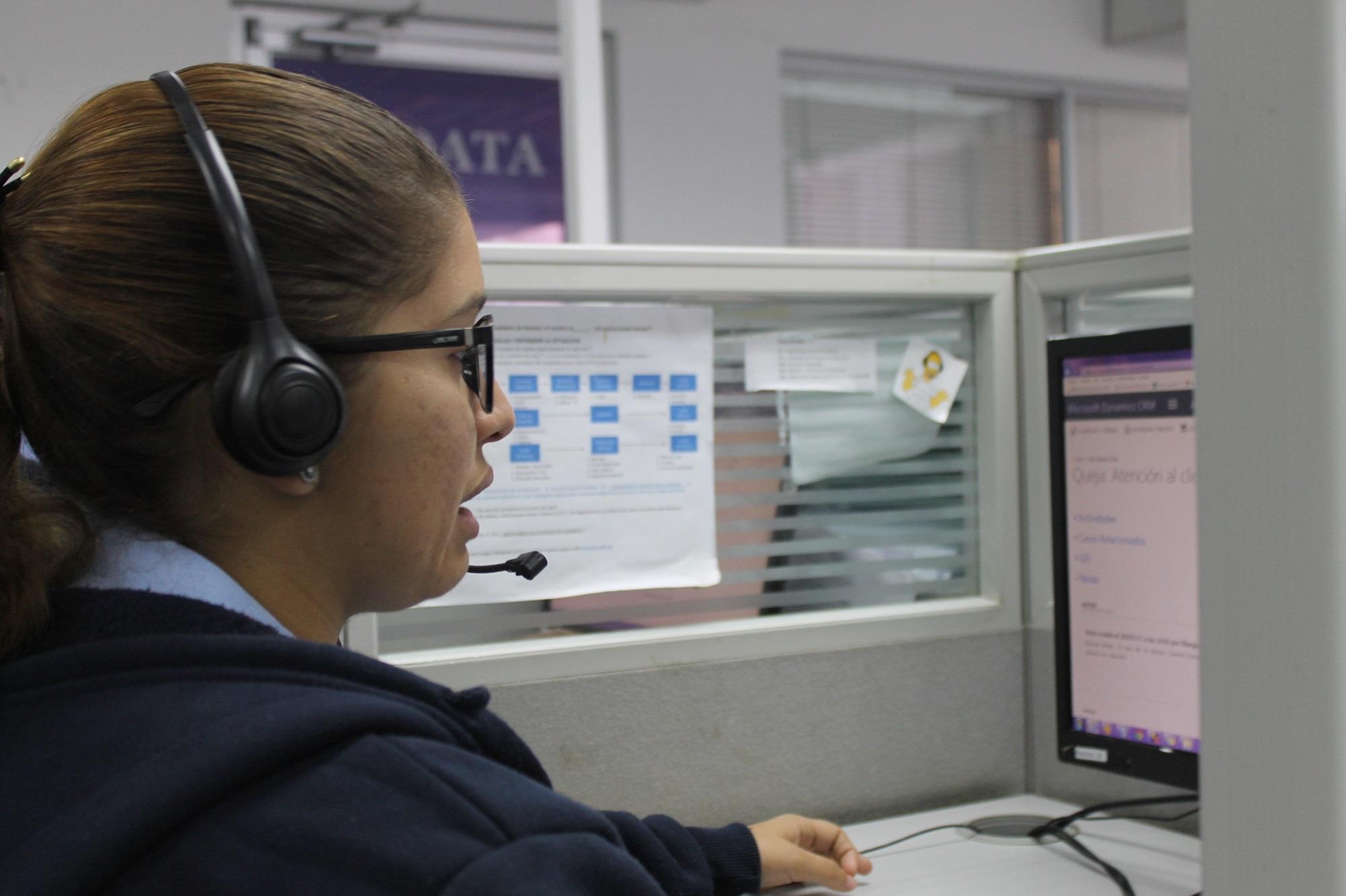 Muchos de los operadores son jóvenes estudiantes de oficios afines a ciencias sociales-1