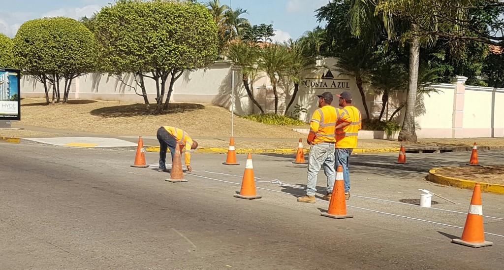 Las delimitaciones incluyen el cruce peatonal en la intersección de las avenidas Centenario y Paseo del Mar; éstas, sumada a la de la avenida de Las Costas, tiene un costo de 6 mil 440 dólares.