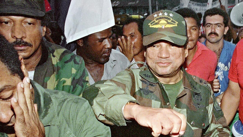 Noriega se apoyó en las fuerzas de choque, seguidores conocidos como cabilleros que agredían a opositores, estilo paramilitar.