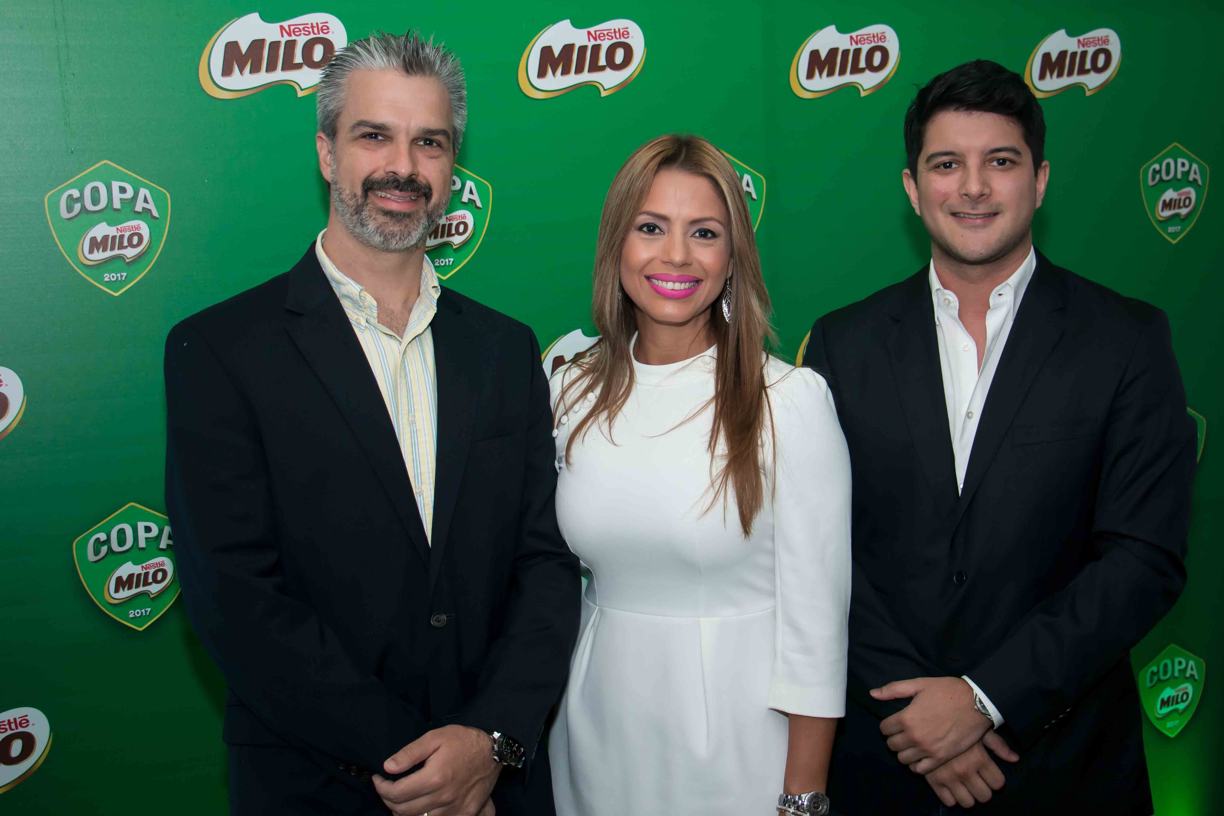 Alejandro Gómez, gerente general de Nestlé Panamá; Susana De Freitas, gerente ejecutiva de Lácteos para Nestlé Centroamérica; Guillermo Ortega, director ejecutivo de Televisora Nacional