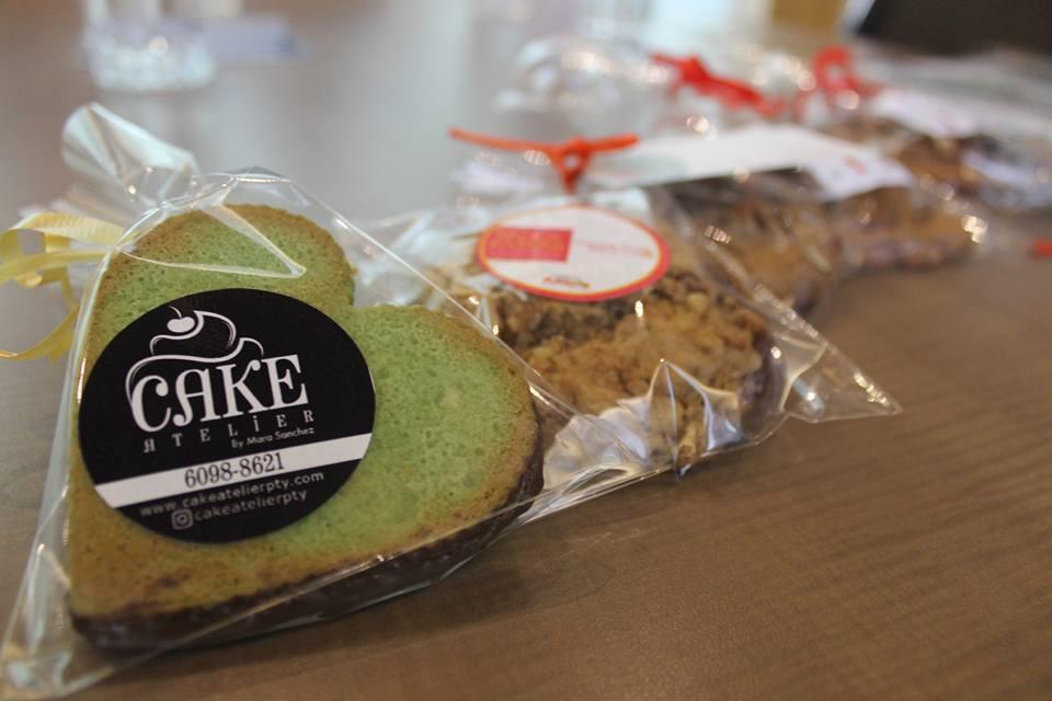Cada chef está aliada con una fundación y una marca de lujo,. Sus galletas se venderán en las boutiques y en las entradas del mall de Riba Smith y Panafoto, hasta el 9 de julio.