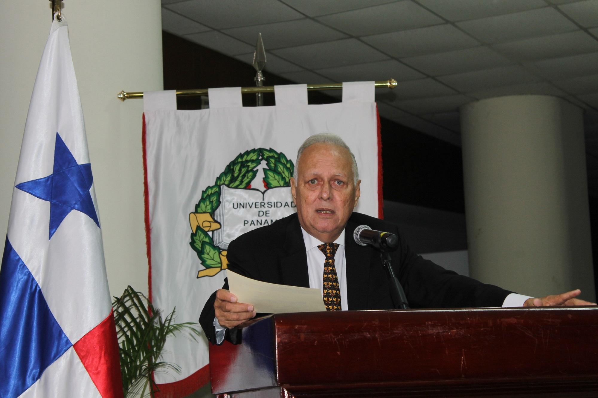 Alvin Weeden, abogado y ex contralor de la República.