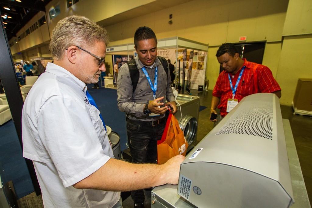 Con gran éxito culminó con la 14ta. Conferencia anual de Refriaméricas y 8va. de Tecnoedificios & Seguridad. Más de 2 mil personas se dieron cita este año en el Centro de Convenciones Atlapa.