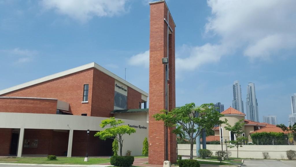 La caminata culminó en la Parroquia San Lucas (calle San Agustín de CDE).