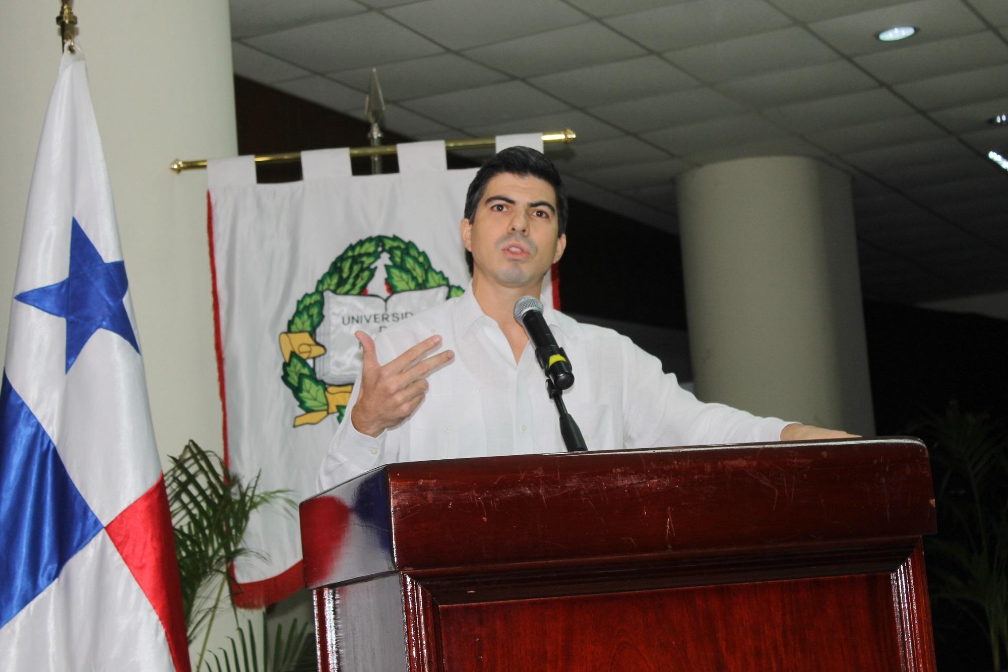 Richard Morales, profesor en Ciencias Políticas.
