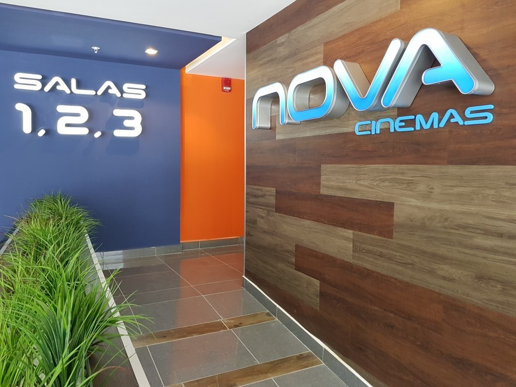 Nova Cinema es una reconocida cadena de cines costarricense.