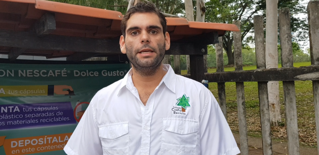 Lorenzo Valdés , Fundación Costa recicla.