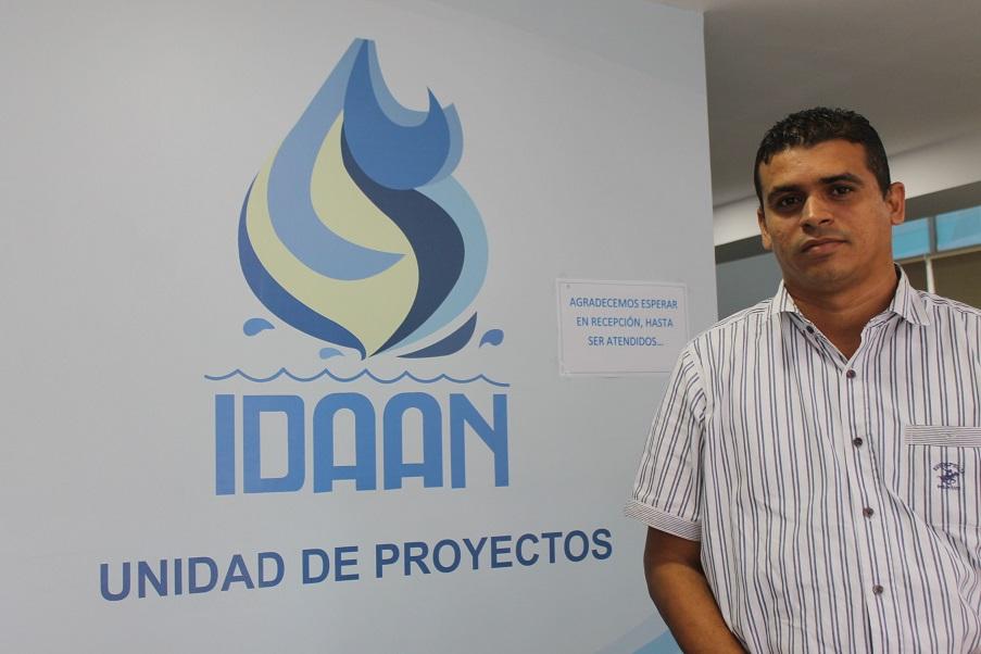 Didio Hernández, ingeniero encargado de la obra, coordinada por la Unidad de Proyectos del IDAAN