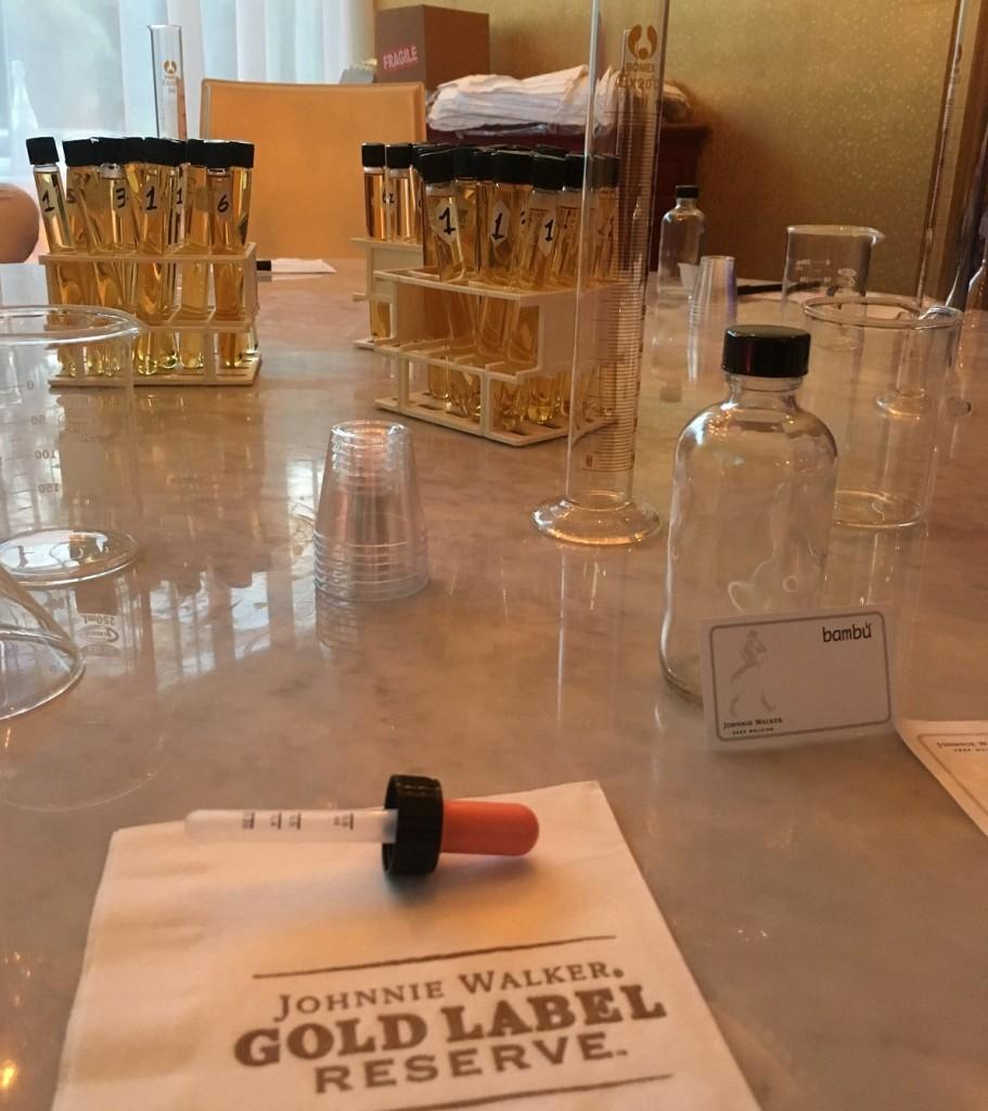Cada mesa era un laboratorio para crear whisky escocés.