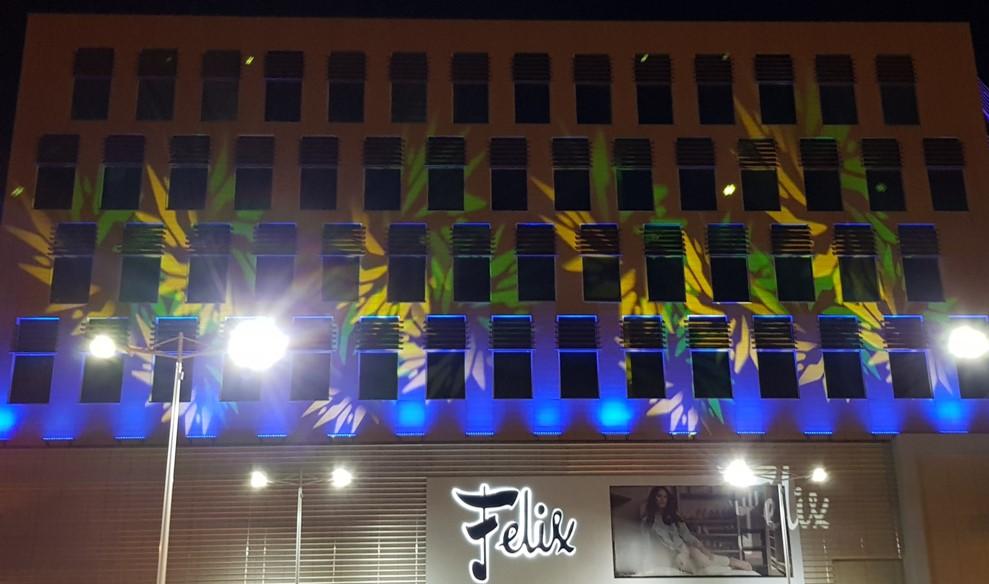 Una noche llena de luces durante la inauguración | Foto: AR