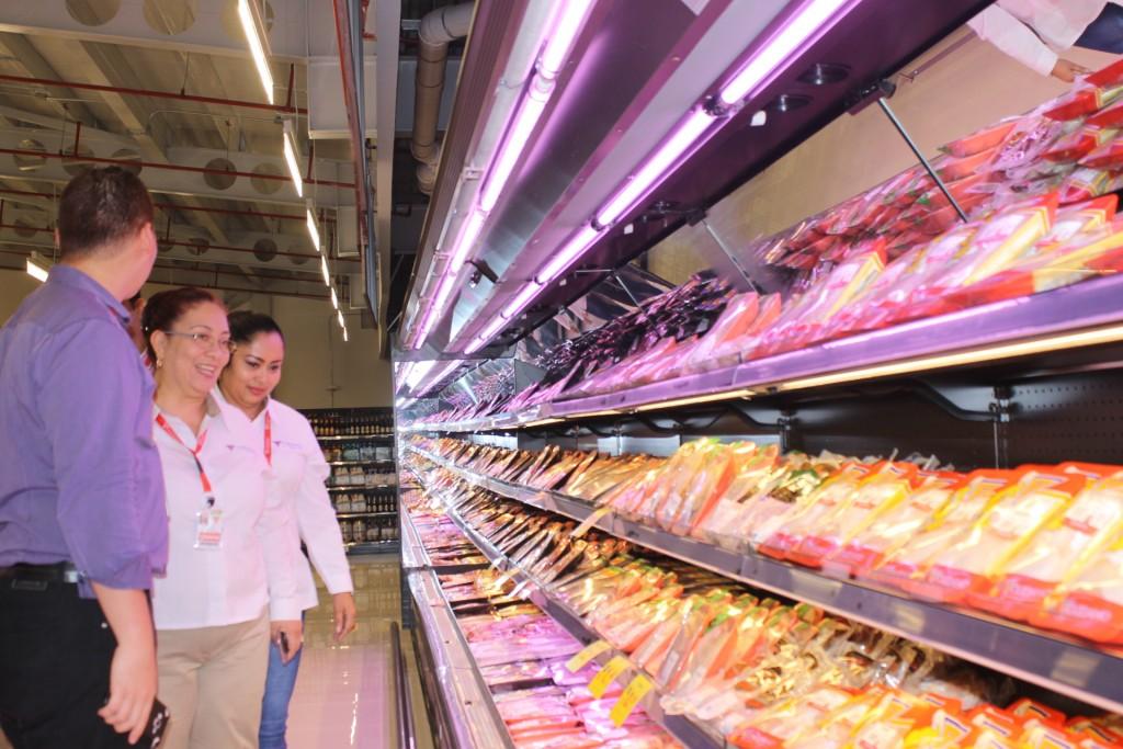 El nuevo supermercado permanecerá abierto las 24 horas del día.
