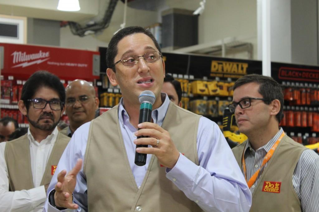 Michael Cohen, Gerente General del Do it Center