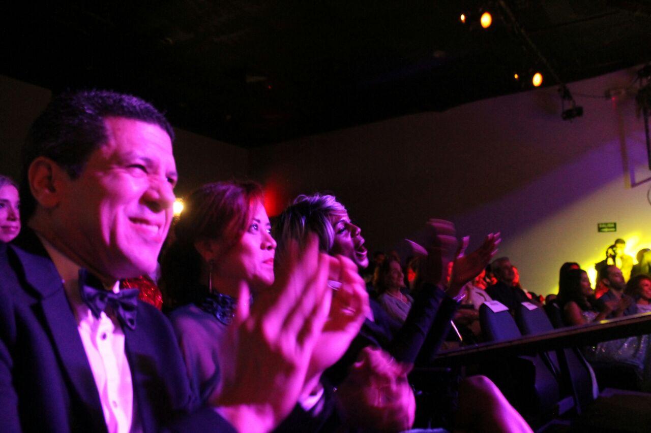 Alegría y camaradería entre el público marcó la pauta de la velada-2 ...
